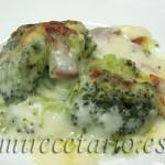 Brócoli gratinado con bechamel de jamón