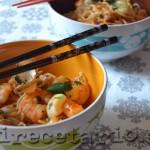 Wok de noodles con langostinos