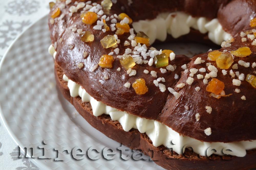 Roscón de chocolate relleno de nata