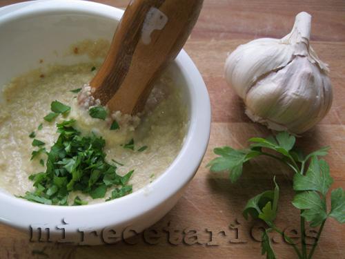 Los ingredientes de la salsa de tahini