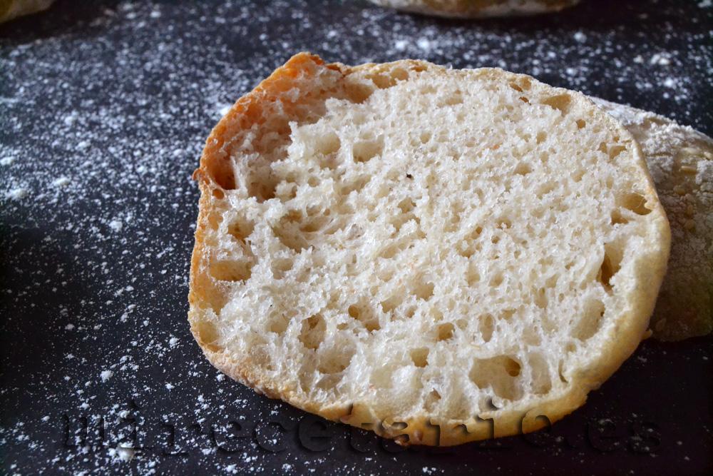 La miga del pan mollete